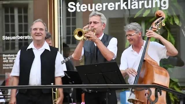 Brugger Zapfenstreich: Auftritt der Jazzband Pädazapfegogestreich