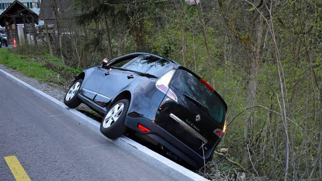 Bei mehreren Unfällen kommt es zu Blechschäden, aber keinen Verletzten