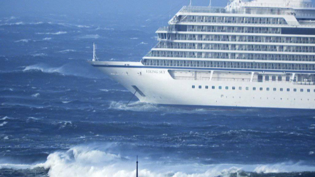 Das Kreuzfahrtschiff «Viking Sky» ist vor der Nordküste Norwegens in Seenot geraten.