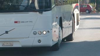 Nach wenigen Minuten Fahrt packte der Exhibitionist sein Glied wieder ein und verliess den öffentlichen Bus bei der Haltestelle Oftringen/A1-Center.