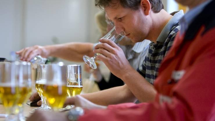 Wasser ist für die Bier-Qualität wichtig – bei Feldschlösschen wird diese im Sensoriklabor überprüft.