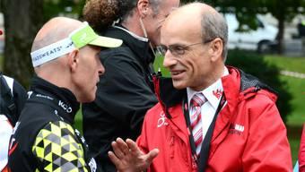 OK-Präsident Stefan Ruf (rechts) suchte am Wochenende am Powerman Zofingen mit Athleten, Funktionären und Zuschauern oft das Gespräch.