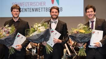 Théo Schmitt (Mitte) ist der beste Schweizer Nachwuchsdirigent. Bild:zvg