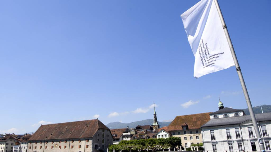 Die 43. Solothurner Literaturtage starten mit einem neuen Auftakt: Am heutigen Mittwoch werden die Eidgenössischen Literaturpreise verliehen, bevor die eigentliche Werkschau schweizerischen Literaturschaffens am morgigen Donnerstag im Landhaus eröffnet wird. (Archivbild)