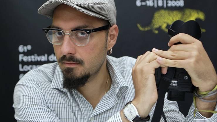 Dem Film- und Theaterregisseur Kirill Serebrennikov - hier 2008 am Filmfestival in Locarno - wird vorgeworfen, er habe Subventionen für Stücke kassiert, die er gar nicht inszeniert habe. Jetzt ruft er auf Facebook Theaterzuschauer als Zeugen auf. (Archivbild)