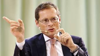 Roger Köppel kritisiert die Medien scharf: Er spricht von Fakenews.
