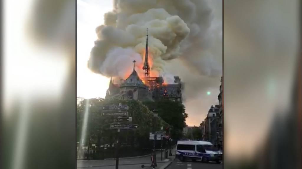 Notre-Dame brennt lichterloh