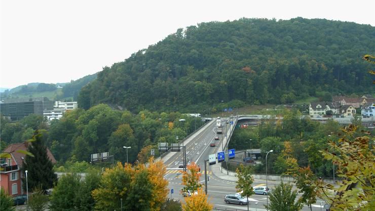 Zwei Strecken führen bei der Brücke nach rechts Richtung Norden: Die untere via Obersiggenthal, die obere via Kappelerhof. (Archiv)