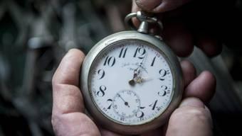 Das EU-Parlament will die halbjährliche Zeitumstellung überprüfen lassen. (Symbolbild)