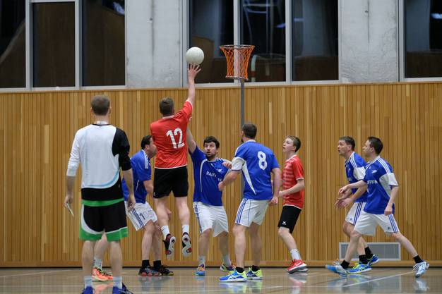 Oberdorf 1 (rot) im Spiel gegen Oberdorf 2 (blau)