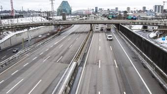 Seit gestern gilt Homeoffice-Pflicht. Wie im Lockdown im vergangenen Frühling sind auf der A2 deutlich weniger Autos unterwegs als sonst.
