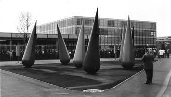Ausbildungsstätten wie die Höheren Technischen Lehranstalten (HTL, auch bekannt als «Tech») oder die Höhere Wirtschafts- und Verwaltungsschule (HWV) wurden ins Bologna-System aufgenommen und werden seither als Fachhochschulen (FH) weitergeführt: Hier die HTL Brugg-Windisch 1969.