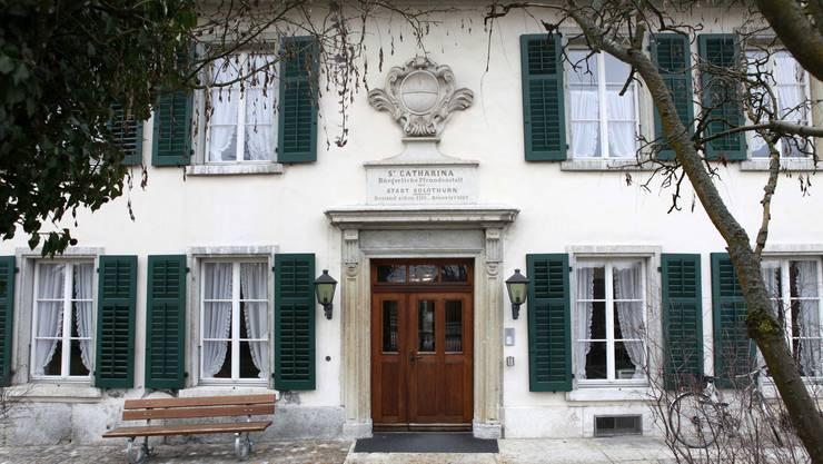 Eine grosse Budgetabweichung ins Minus findet sich bei den Personalkosten der Pflegeheime St. Katharinen (Foto) und Thüringenhaus.