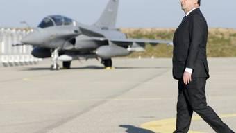 François Hollande bei seiner Ankunft auf dem Stützpunkt