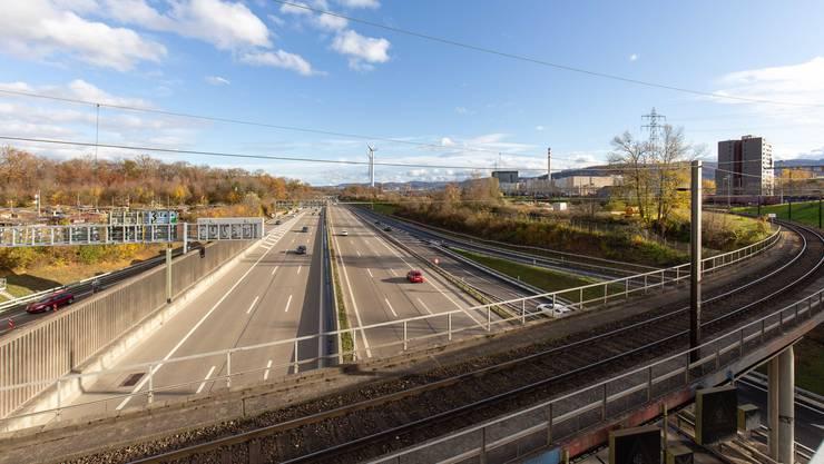 Die Gegner kritisieren die Nähe der Windräder zur Autobahn und zum Rangierbahnhof. Doch der exakte Standort steht noch gar nicht fest.