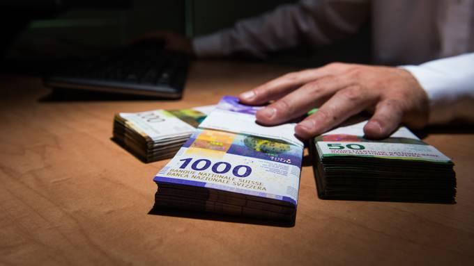 Dividendenausschüttung trotz Verbot: Die Eidgenössische Finanzkontrolle hat bislang 569 unerlaubte Zahlungen entdeckt. (Symbolbild)