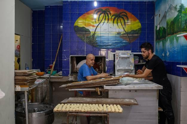 Ein Syrer bei der Arbeit in einer Bäckerei in Istanbul.