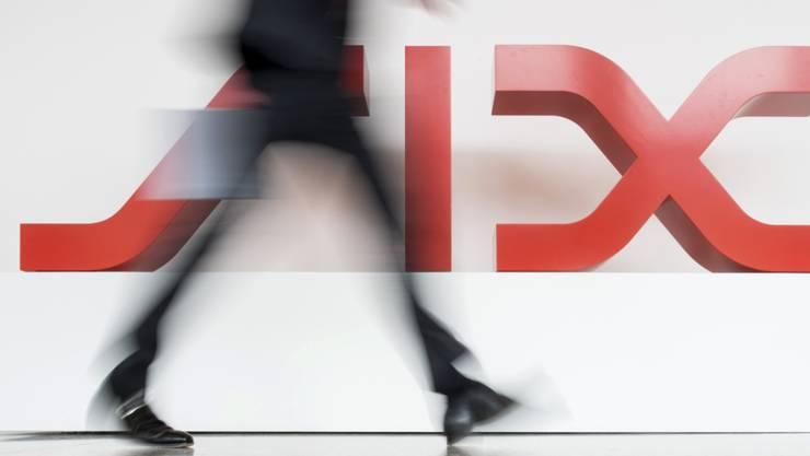 Die Börsenbetreiberin SIX hat nach dem Verkauf des Kartengeschäfts an die französische Worldline im ersten Halbjahr 2019 deutlich weniger Geld verdient. In der zweiten Jahreshälfte könnte sich dagegen der Verlust der EU-Börsenanerkennung positiv auf die Resultate auswirken.(Archivbild)