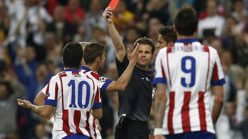 Atletico und Real Madrid werden von der Fifa hart bestraft. (AP Photo/Andres Kudacki)