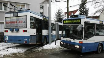Die Zürcher Verkehrsbetriebe haben mit dem Schnee und der Kälte zu kämpfen. (Symbolbild)