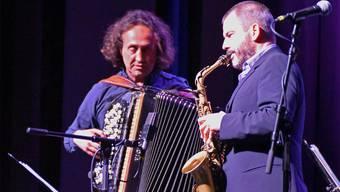 Interpretierten ausgewählte Perlen von Nino Rota und Ennio Morricone: Der Akkordeonist Luciano Biondini und der Saxofonist Rosario Giuliani. Véronique Bidinger