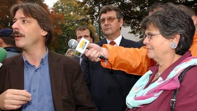 Auch Paul Rechsteiner (l) und Ruth Dreifuss nahmen am Kongress teil (Archiv)