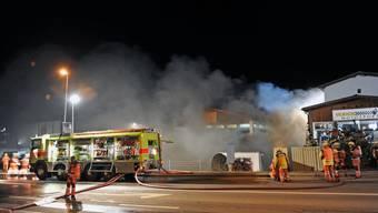 Rüti ZH: Feuer in Gewerbeliegenschaft - hoher Sachschade