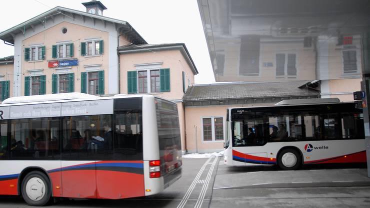 RVBW-Busse am Bahnhof Baden (Archiv)