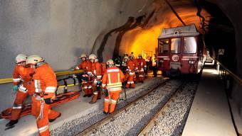 Im Oktober 2010 wars für die Rettungskräfte noch eine Übung, am Sonntag kams zum Einsatz. (Archiv)