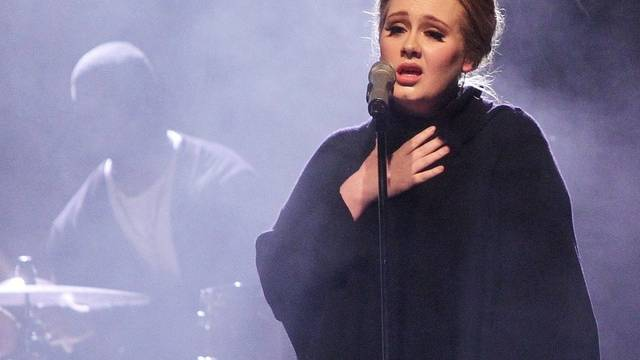 """Die britische Sängerin Adele verkauft ihr Album """"21"""" auch in den USA gut (Archiv)"""
