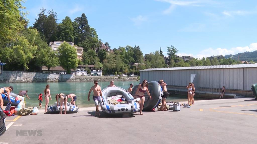 Aareböötler klauen Schwimmern Ausstiegsplatz beim Marzili