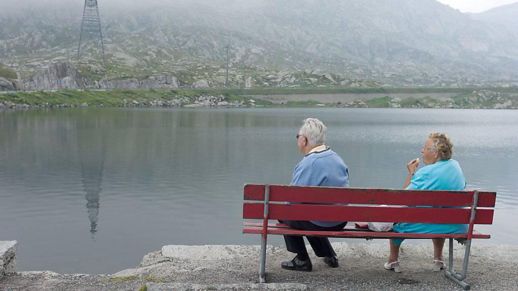 Die Reform der Altersvorsorge soll AHV und berufliche Vorsorge stabilisieren. Vorläufig zeichnet sich aber noch keine Einigung zwischen den Räten ab. (Archiv)