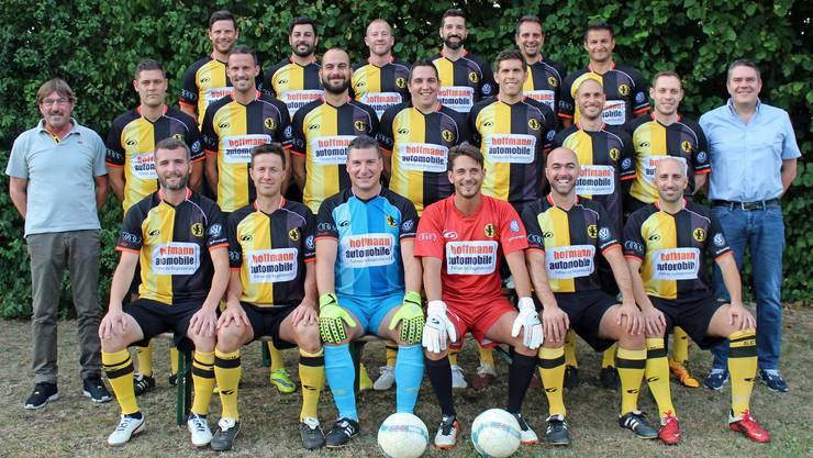 Gleich mehrere Altstars spielen bei den Senioren des SC Dornach: Neben Marco Streller und Beni Huggel (mittlere Reihe) spielen auch Alex Frei (ganz unten links) und Matias Delgado (nicht auf dem Bild) für die Dornacher.
