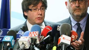 Carles Puigdemont: Der katalanische Regionalpräsident wollte Rajoy im Ausland treffen, doch dieser sagte ab.