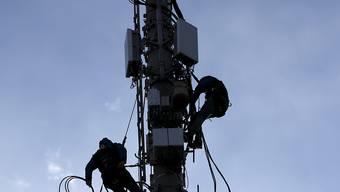 Die 5G-Technologie könne in der jetzigen Form mit den heutigen Grenzwerten betriebswirtschaftlich nicht sinnvoll eingesetzt werden, sind die Antragsteller überzeugt. (Symbolbild)