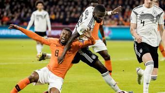 Die Niederlande und Deutschland schenkten sich im Duell der Erzrivalen in Amsterdam nichts