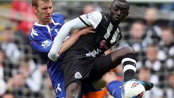 Newcastles Cissé (rechts) traf zum 2: 0-Endstand