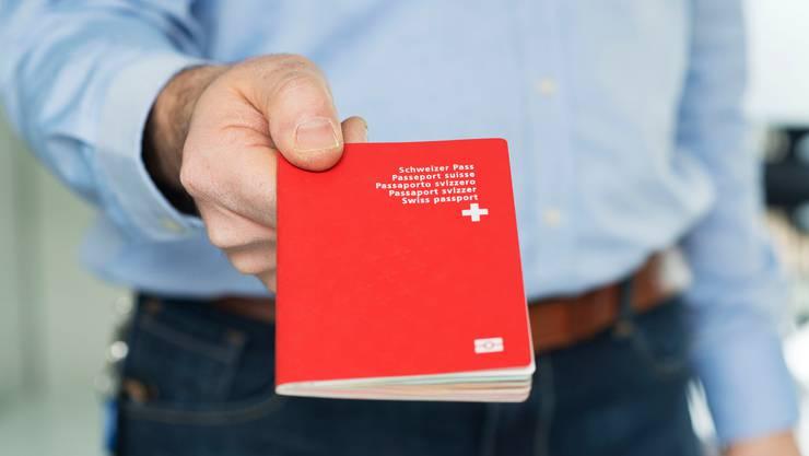 Eingebürgerte Schweizer müssen bis zu 30 Prozent mehr Bewerbungen verschicken, bis sie zu einem Gespräch eingeladen werden.
