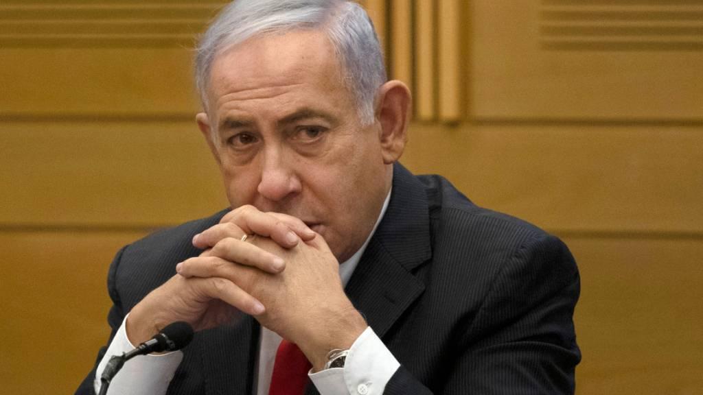 Benjamin Netanjahu ist nach 12 Jahren im Amt nicht mehr Ministerpräsident von Israel. Foto: Maya Alleruzzo/AP/dpa