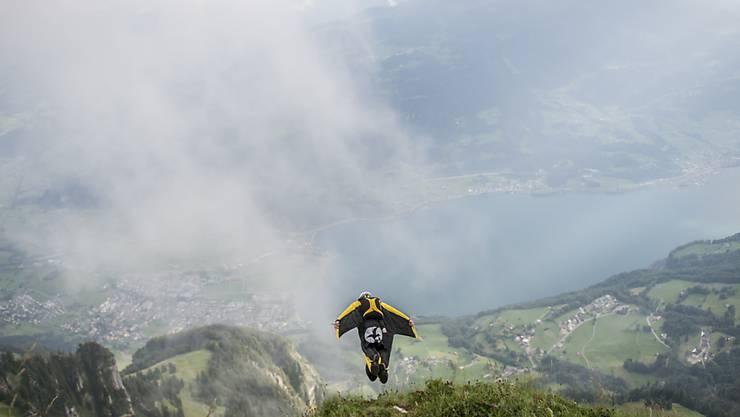 Die Sportart mit dem höchsten Anteil an ausländischen Todesopfern ist das Basejumping, für das viele Ausländerinnen und Ausländer in die Schweiz reisen. (Archivbild)