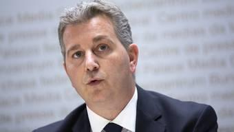 Der Tessiner Marco Chiesa soll Parteipräsident der SVP Schweiz werden und steht einer finanziellen Entschädigung des Postens positiv gegenüber.