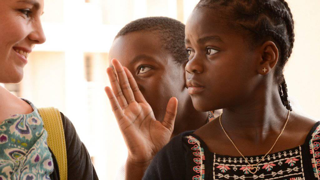 Madonnas Adoptivkinder Mercy und David bei ihrem Besuch im Queen Elizabeth Central Spital in der malawischen Stadt Blantyre
