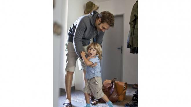 Väter wollen nach einer Scheidung engeren Kontakt zu ihren Kindern. Foto: Keystone