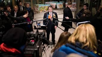 SPD-Chef Sigmar Gabriel am Donnerstagabend in Berlin vor den Medien.