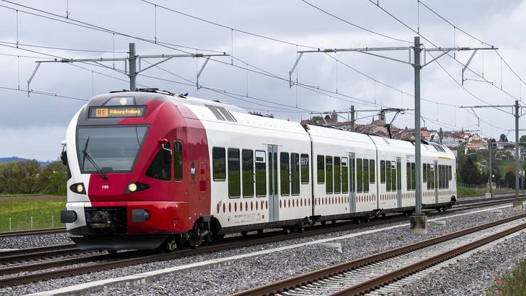 Nebst der Eisenbahn umfasst die «Energiestrategie 2050 im öffentlichen Verkehr» auch Busse, Schiffe und Seilbahnen. (Symbolbild)