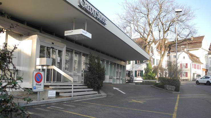 Die Zentrumsfunktion Liestals wird gestärkt: Die CS bedient die Kunden der Geschäftsstellen Gelterkinden und Pratteln künftig hier am Eingang zum Liestaler Stedtli.dh
