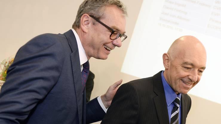 Der frischgewaehlte Zuercher Staenderat Daniel Jositsch, rechts, und FDP-Staenderatskandidat Ruedi Noser