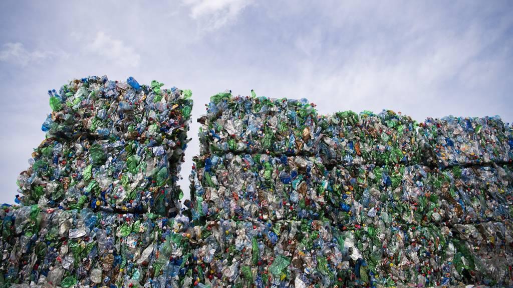 Die Umweltkommission des Nationalrats will weniger Abfall und mehr Recycling.