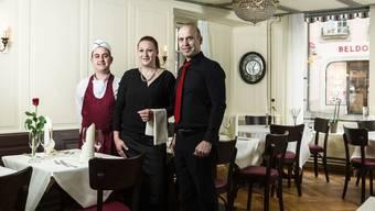 Gastgeber Fiore Kriezi, Mitarbeiterin Sandra Huser und Küchenchef Michele.