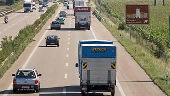Die Kriminaltouristen aus Frankreich blieben mit ihrem Renault auf der A3 bei Rheinfelden liegen (Symbolbild).